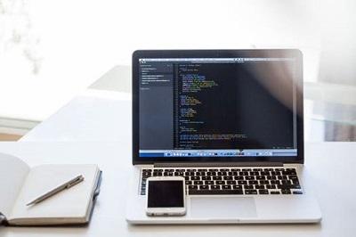 Laptop học lập trình 3